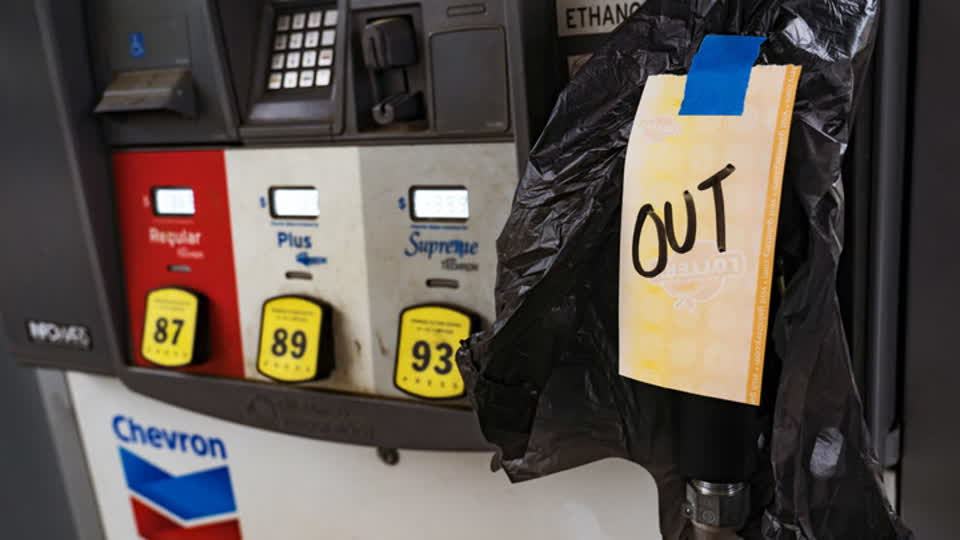 8 Oil Stocks Cramer Likes, 4 He Doesn't Amid Ongoing Pipeline Shutdown