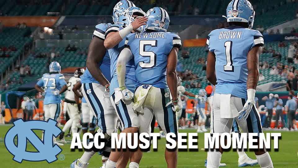 WR Dazz Newsome Great Catch For North Carolina Touchdown | ACC Must See Moment