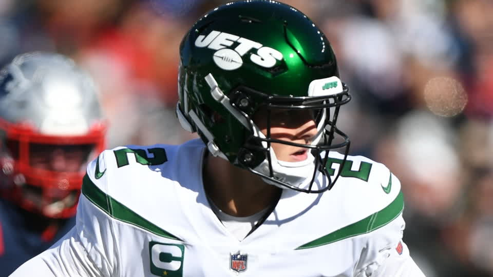 Jets Acquire Joe Flacco After Zach Wilson's Injury