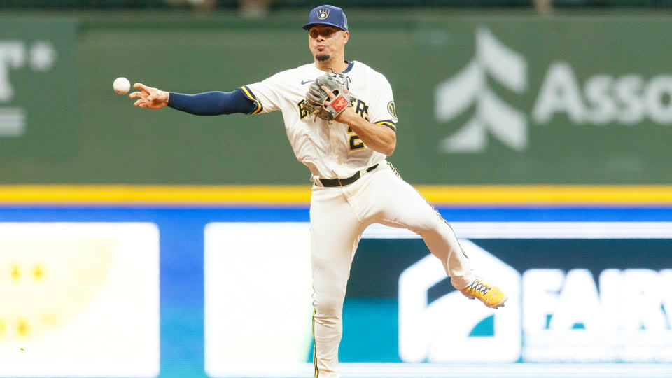 Willy Adames Makes Incredible Jump Throw for the Out