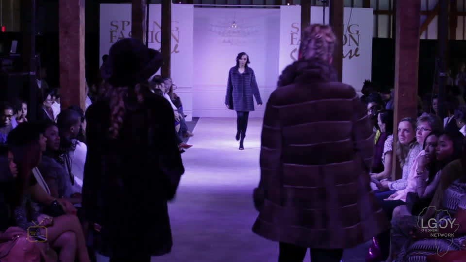 Fashionistas return to the runway
