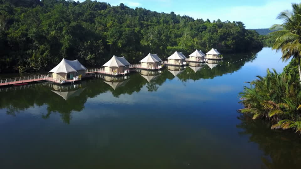 Glamping Adventures S01 E05 - 4-Rivers Floating Lodge, Tatai (Cambodia)