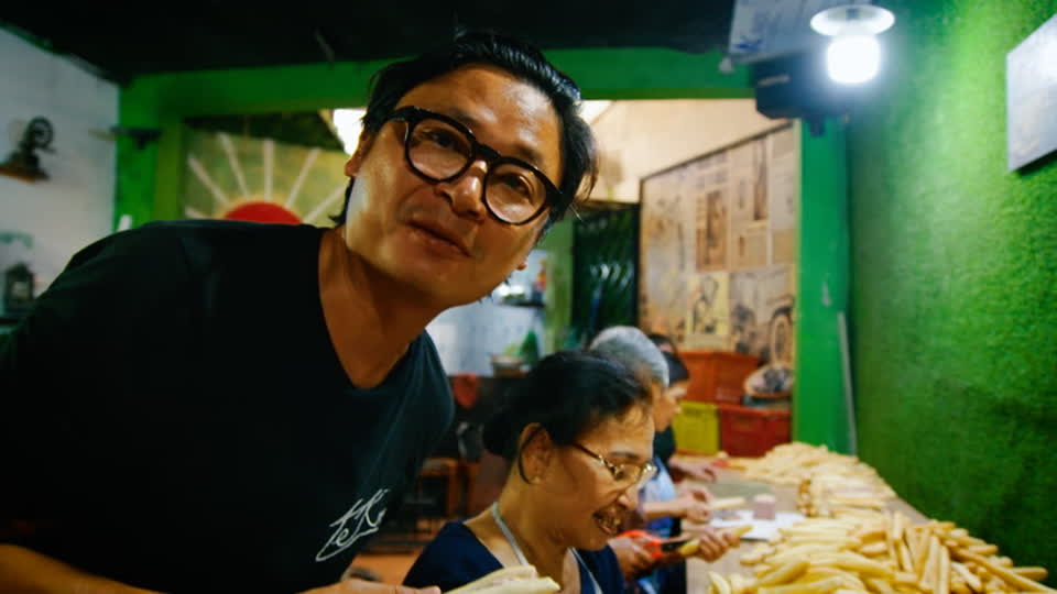Luke Nguyen's Railway Vietnam S01 E08 - Hai Phong