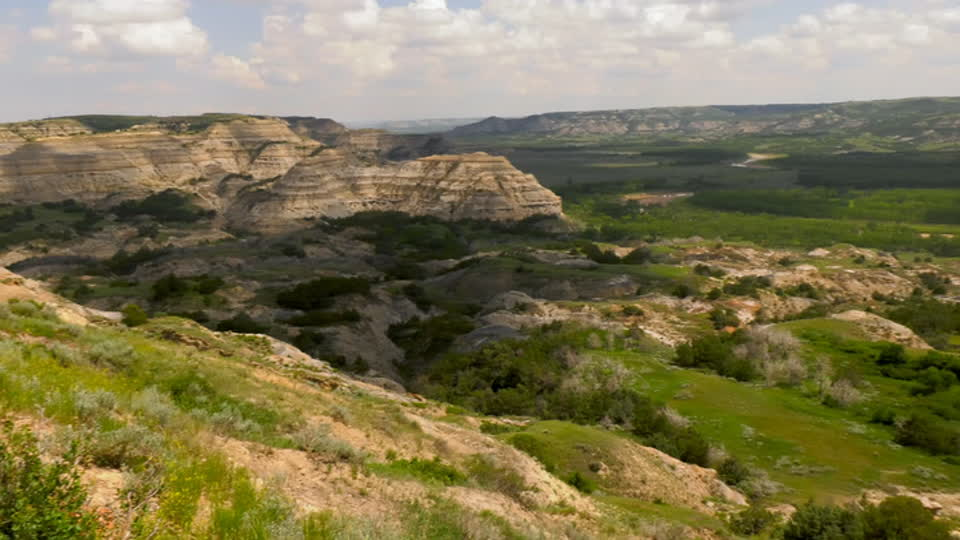 Travels with Darley S01 E02 - North Dakota