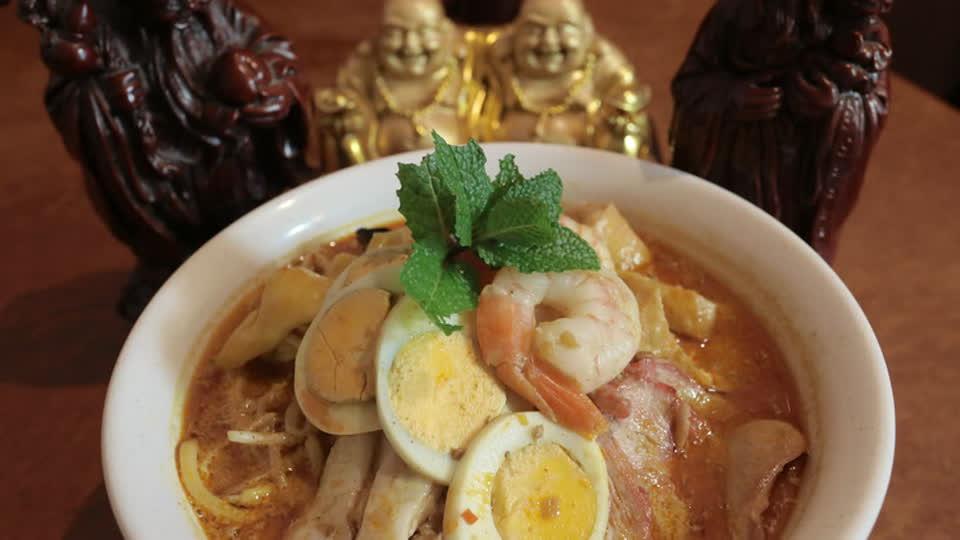 Lee Chan's World Food Tour S01 E09 - Malaysia
